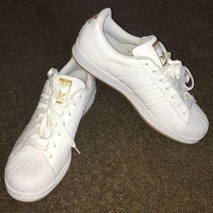 *NEW* Adidas Superstar